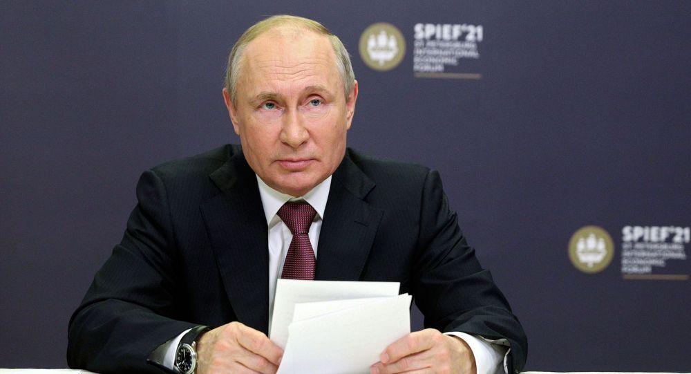 Путин заступился за журналистов