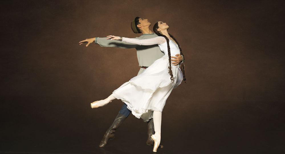 Российский балетмейстер ставит Козы-Корпеш - Баян-Сулу в Нур-Султане
