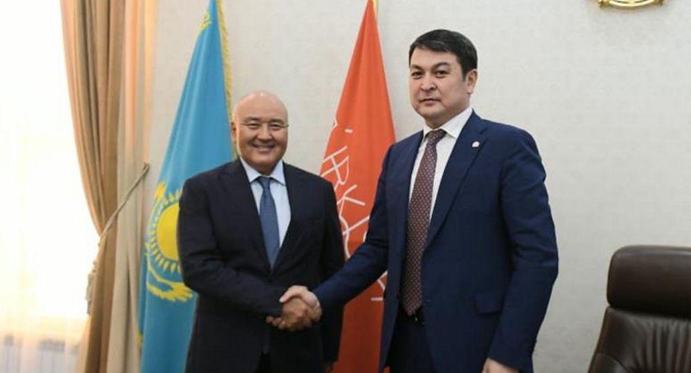 На должность акима Туркестана назначен Нурбол Турашбеков
