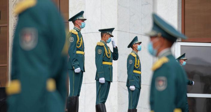 Передача останков солдат