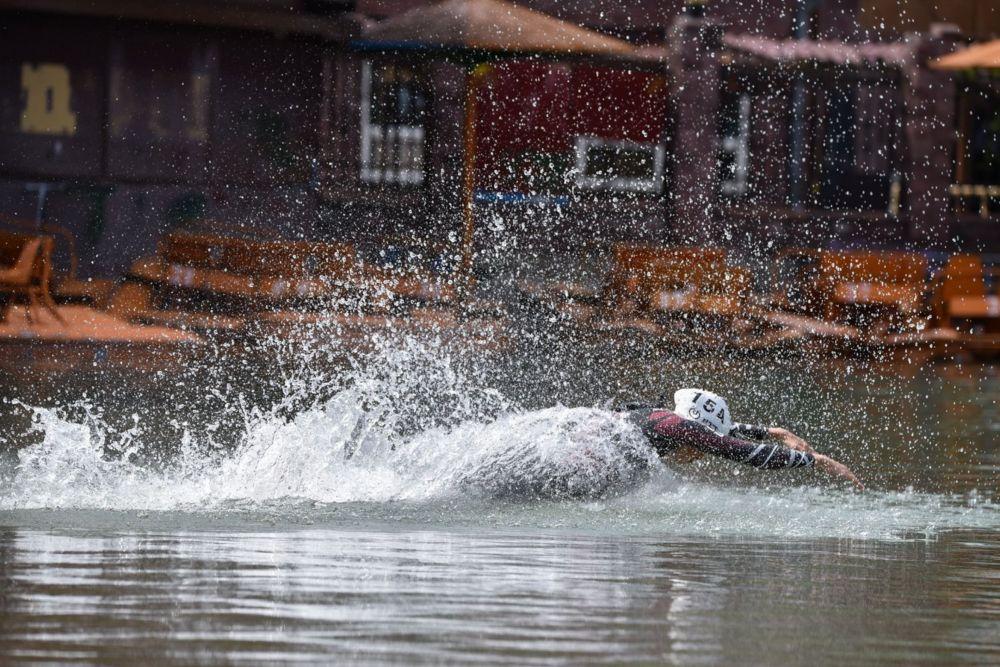 Участники испытали свои силы на спринтерской дистанции, которая состояла из заплыва в 750 метров, велоэтапа в 20 километров и забега на 5 километров