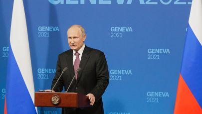 Президент РФ Владимир Путин на пресс-конференции по итогам переговоров с президентом США Джо Байденом