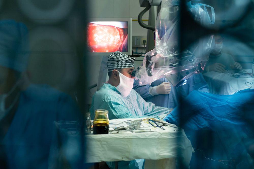 Хирург за работой