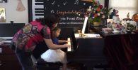 Раньше Моцарта: трехлетняя пианистка покоряет мировую сцену - видео