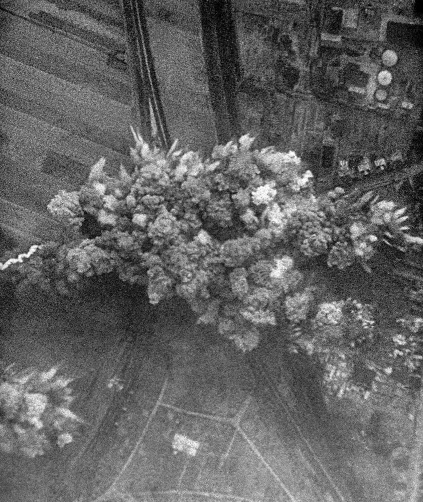 22 июня 1941 года немецкая авиация бомбит советские города. Германия начала войну против СССР. Кадр из документального фильма Великая Победа советского народа