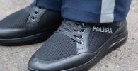 Кроссовки, новая полицейская форма