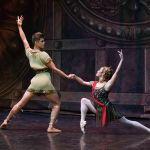 Спартак оркестр үшін де, балет әртістері үшін де ең күрделі балет қойылымының бірі саналады.