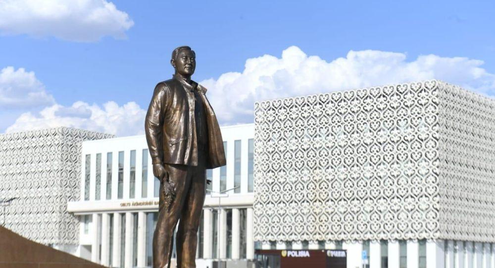 Түркістанда Назарбаевтың тағы бір ескерткіші бой көтерді