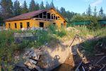 Дом в Ленинградской области, где нашли частную тюрьму