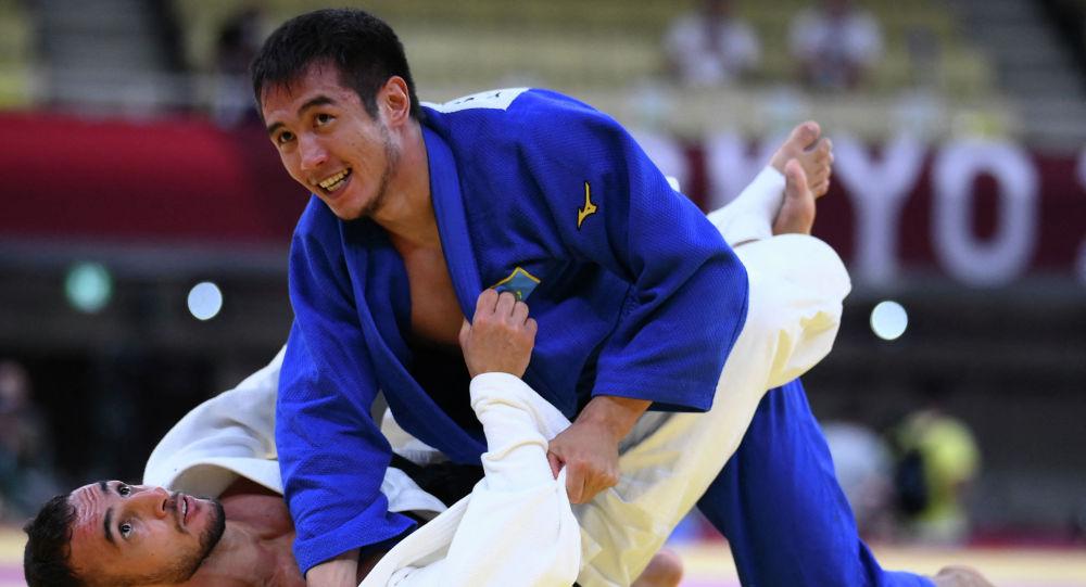 Ерлан Серикжанов начал выступление на Олимпиаде с победы