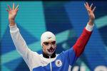 Российский пловец Евгений Рылов в маске кота
