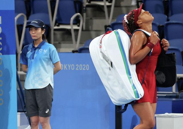Наоми Осака покидает Олимпиаду после поражения от чешской теннисистки