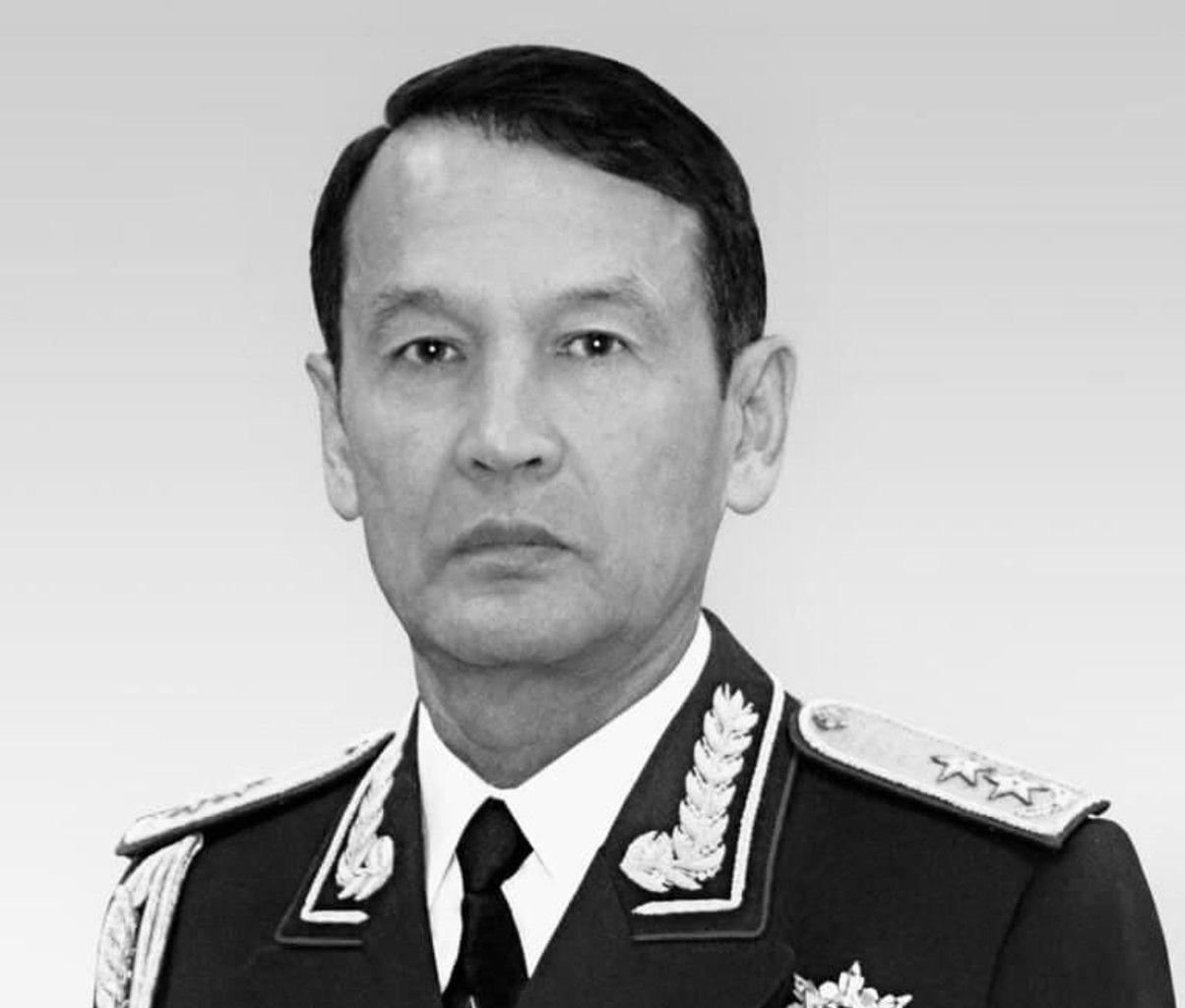Генерал-лейтенант в отставке Курбан Каражанов