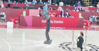 Робот показал баскетбольное мастерство в перерыве финала Олимпиады