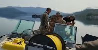 В Курильском озере нашли потерпевший крушение вертолёт Ми-8 — видео