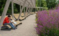 Сейчас Ботанический сад оснащен питьевыми фонтанами, туалетами, современными скамейками и информационными табличками