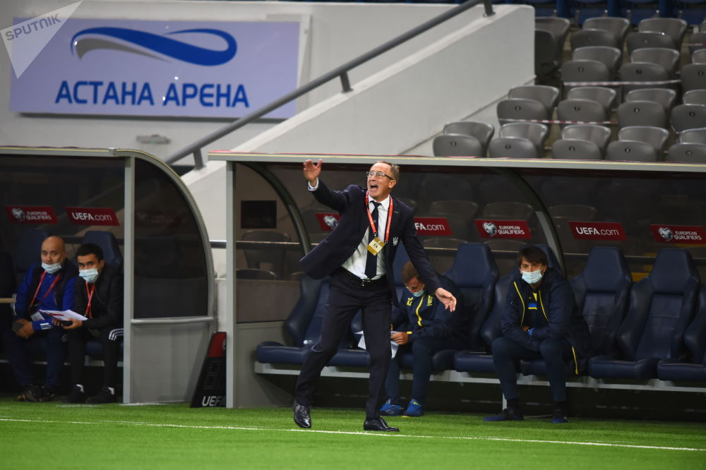 Тренер сборной Украины Александр Петраков