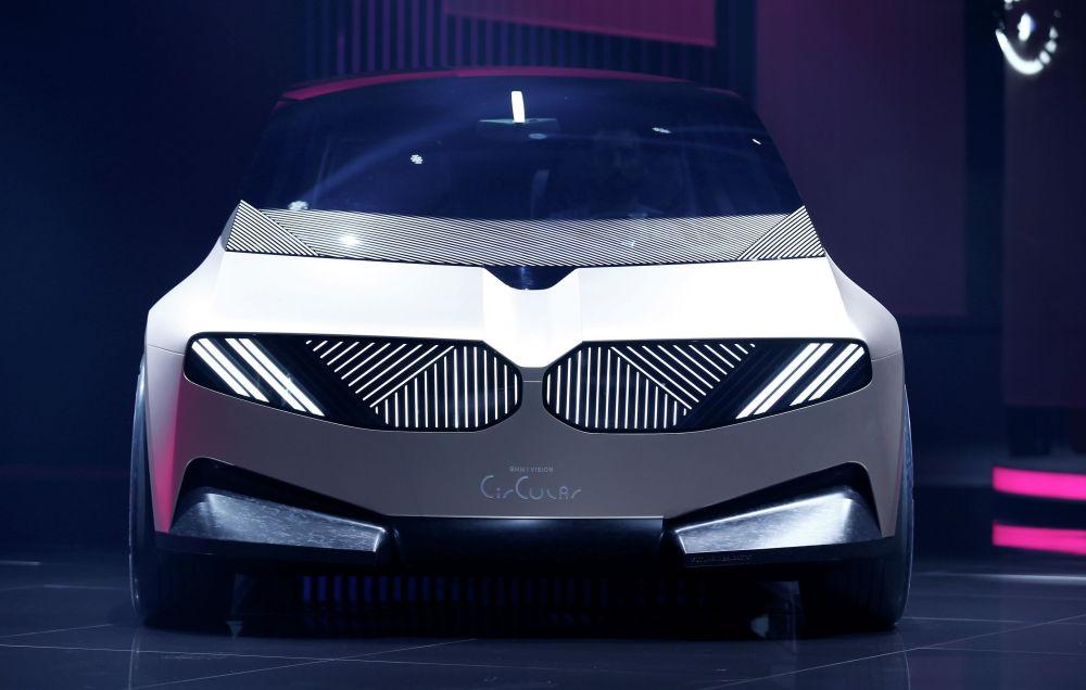 30%-і қоқыстан дайындалған жаңа BMW i Vision Circular концепті.