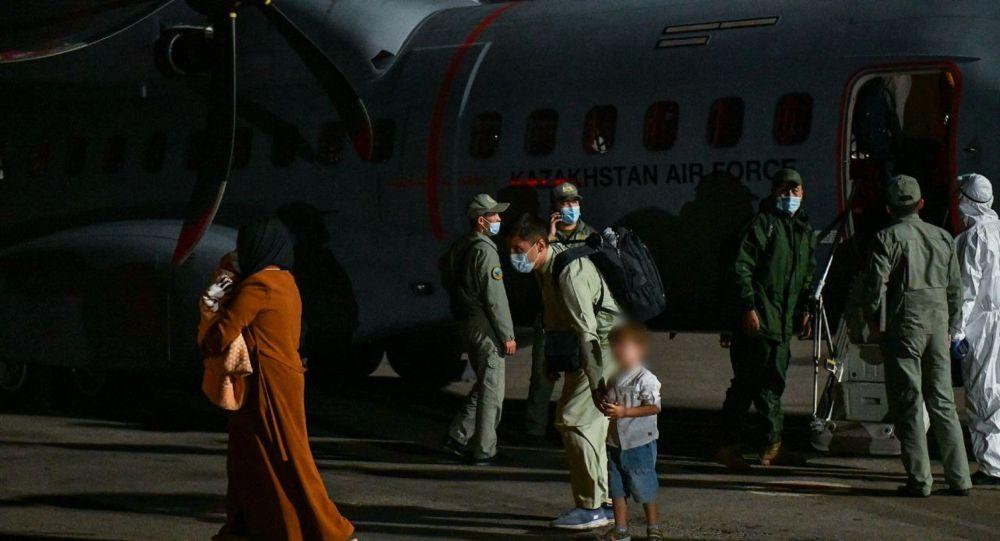 Тридцать пять кандасов вернулись из Афганистана в Казахстан