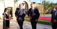 В торжественной церемонии открытия генконсульства приняли участие чрезвычайный и полномочный посол Казахстана в РФ Ермек Кошербаев и губернатор Астраханской области Игорь Бабушкин