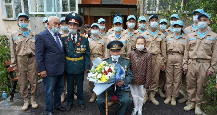 Вековой юбилей отмечает сегодня один из последних солдат Панфиловской дивизии Кайырлы Жонкабаев