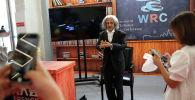 Робот-гуманоид по образу Альберта Эйнштейна, разработанный EXRobots, показан на Пекинской всемирной конференции роботов 2021 года в Пекине