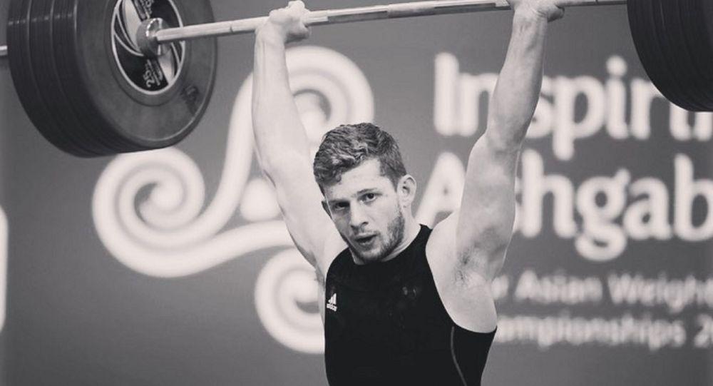 Казахстанский тяжелоатлет, многократный чемпион Казахстана Альберт Линдер