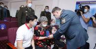 Глава МЧС вручил госнаграды семьям пожарных, погибших от взрывов на военном складе