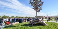 Скульптуру в честь медработников установили в Талдыкоргане