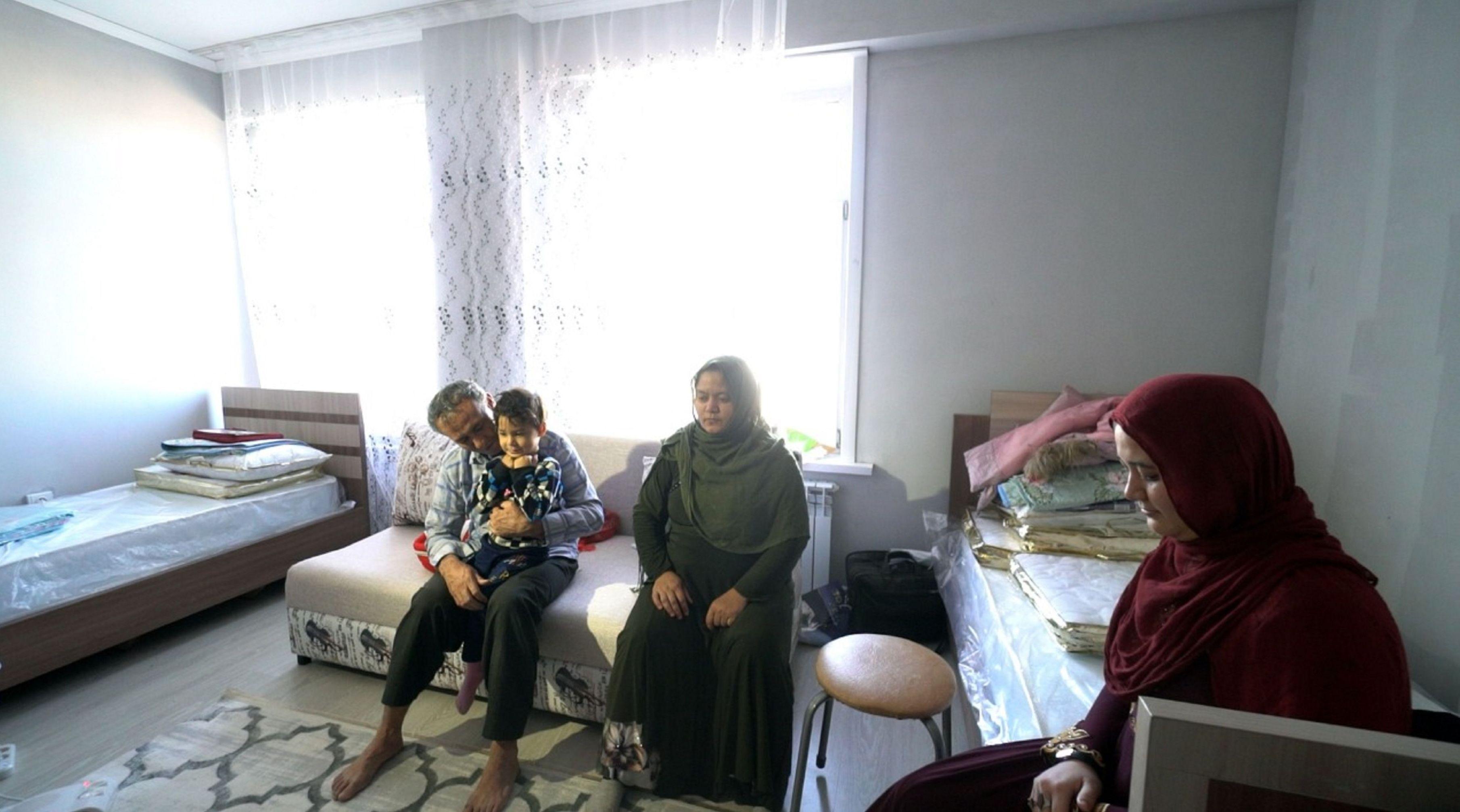 Семье Шир Али Озбаки в Кокшетау выделили комнаты и обещают трудоустроить взрослых, а детей отправить в школу и садик
