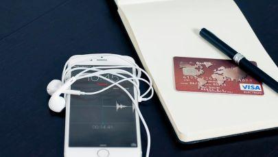 Мобильные денежные переводы, иллюстративное фото