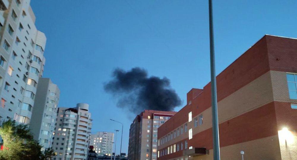 Пожар возле лицей №60 в Сарыаркинском районе столицы