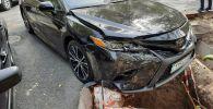 В результате ДТП автомобиль едва не перекинулся в арык