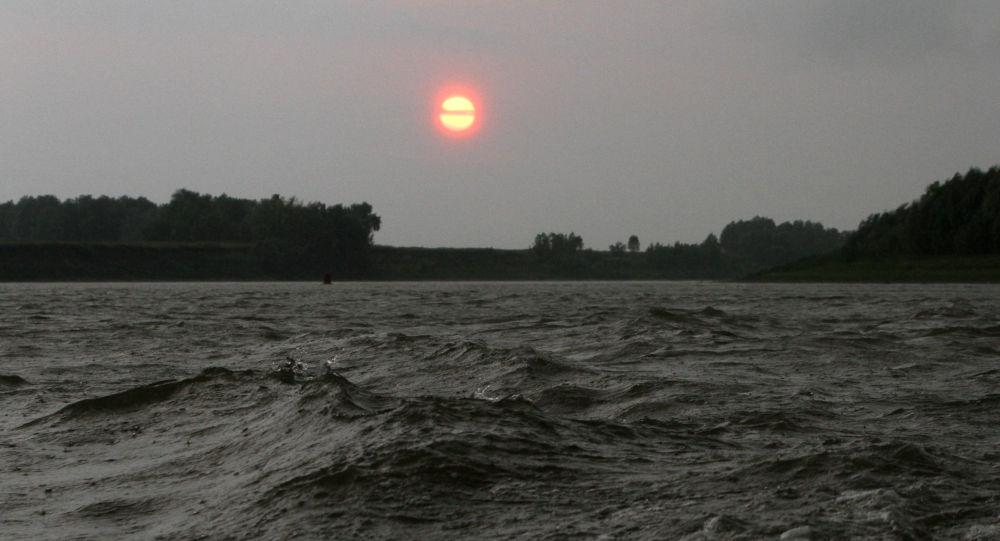 Рейд сотрудников рыбоохраны по реке Иртыш в Омской области