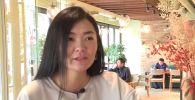 Блогер распечатала паспорт вакцинации на костюме