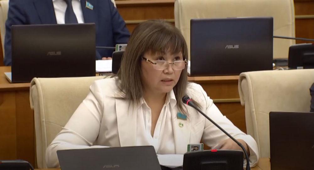 Депутат мажилиса парламента Казахстана от партии Ак жол Айгуль Жумабаева