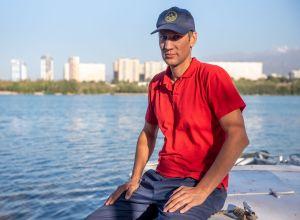 Спасатель аварийно-спасательного отряда Службы спасения города Алматы Игорь Клунный