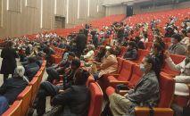 Детсадовские работники устроили акцию протеста в Туркестанской области