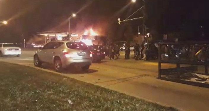 СПУТНИК_Беспорядки на улицах американского города Милуоки