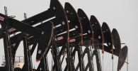 Нефтяные вышки в Персидском заливе в Бахрейне
