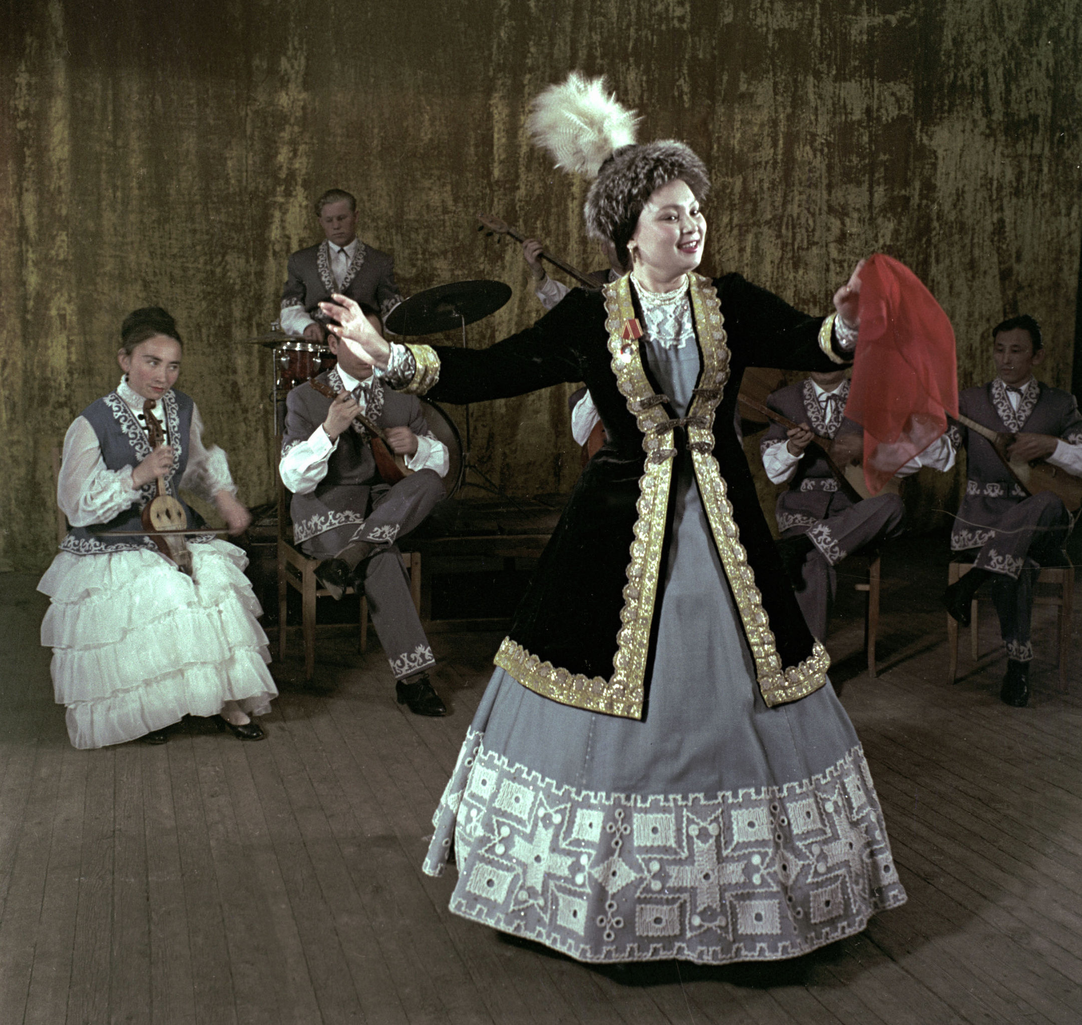 КСРО және Қазақстанның халық әртісі Роза Бағланова