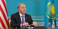 Посол США в Республике Уильям Мозер