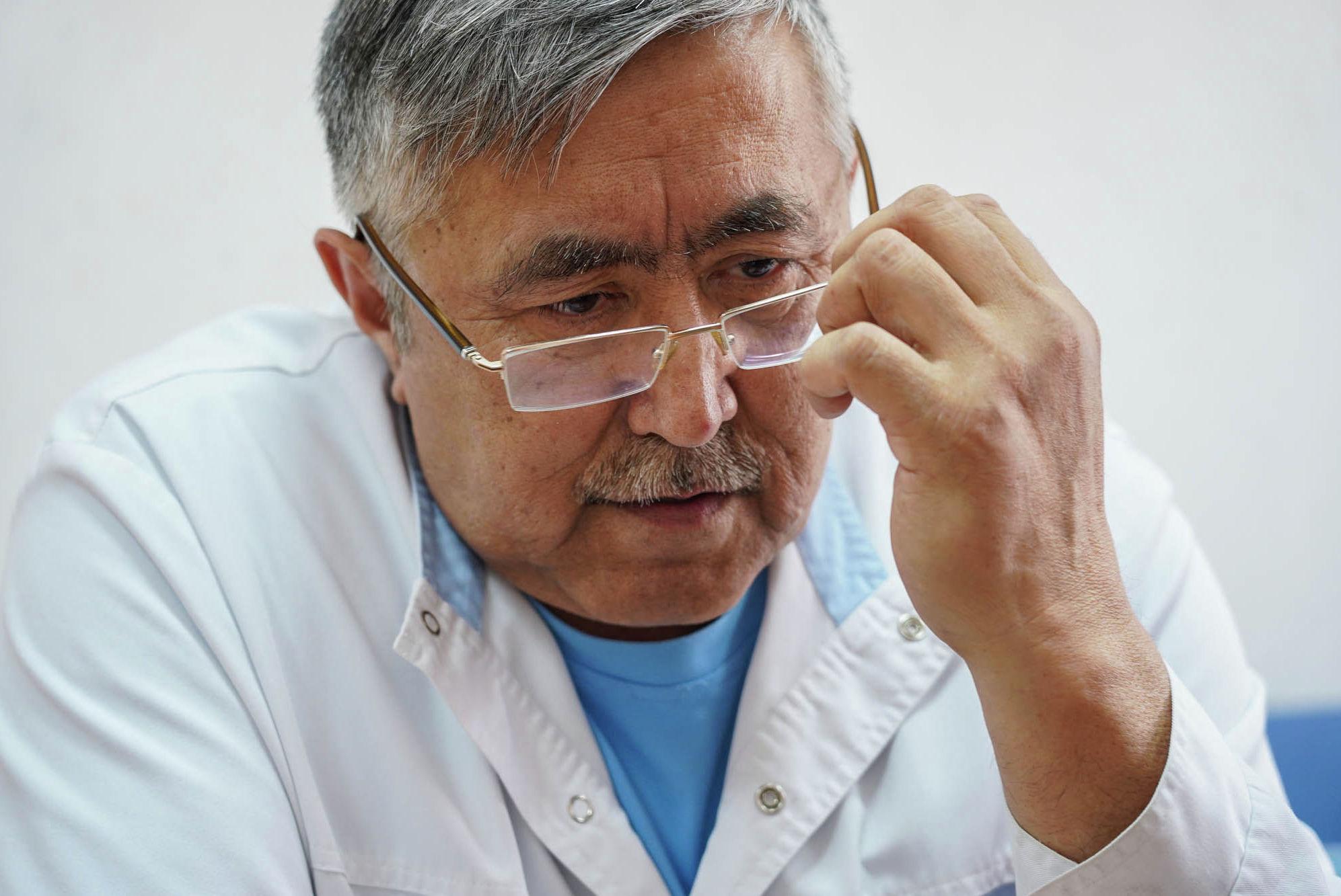 Наркология және психотерапия орталығының тәжірибелі наркологы Тоқтар Қойшыбеков