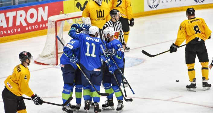 Матч сборных Словении и Литвы на чемпионате мира по хоккею первого дивизиона