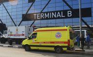 Автомобили скорой помощи у аэропорта Шереметьево, архивное фото
