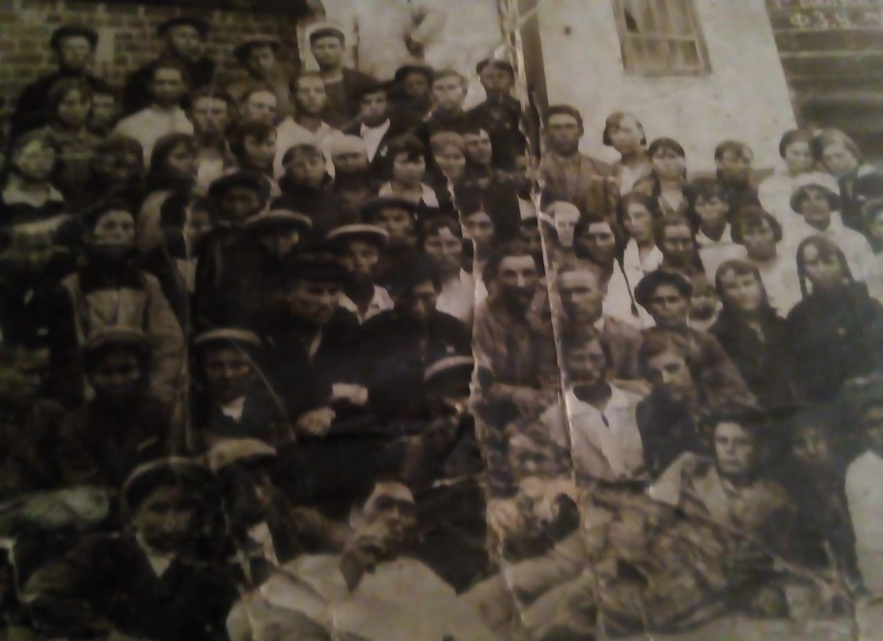 1942 год, дети заменившие тех, кто ушел на фронт