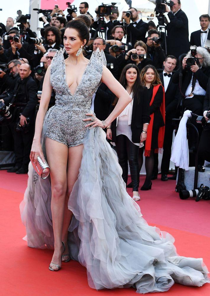 Актриса Фредерик Бель на красной дорожке 72-го Каннского международного кинофестиваля
