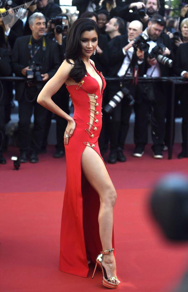 Актриса Прая Лундберг на красной дорожке 72-го Каннского международного кинофестиваля