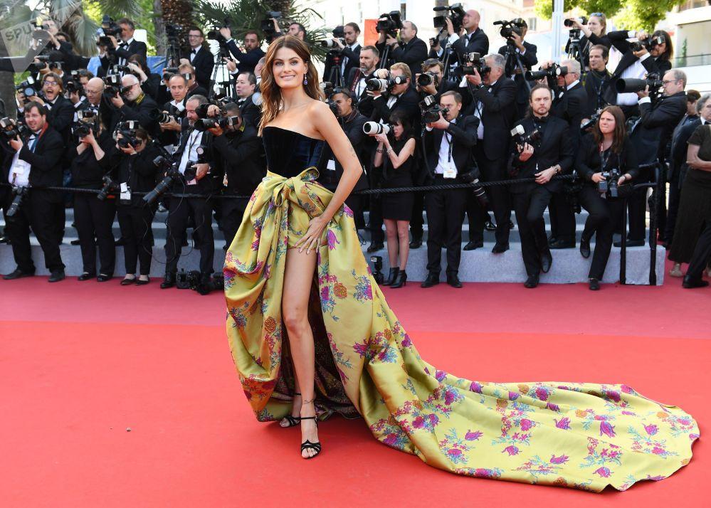 Бразильская модель Изабели Фонтана на красной дорожке 72-го Каннского международного кинофестиваля