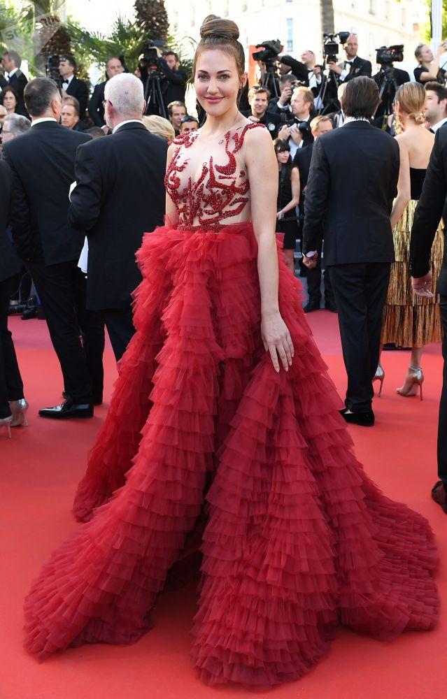Актриса, продюсер Мерьем Узерли на красной дорожке72-го Каннского международного кинофестиваля